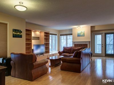 Photo for Executive 2 Bedroom Condo Downtown River Valley