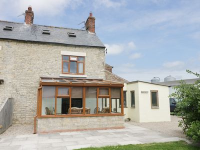 Photo for WILLOW COTTAGE, family friendly in Thornton Dale, Ref 954415