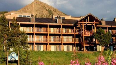 Photo for Ski in Out 2 Bdrm Gorgeous Petfriendly Crested Butte Condo