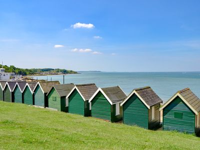 Photo for 2BR House Vacation Rental in Gurnard, near Cowes