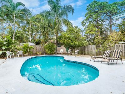 Our heated pool and patio area is ideal for family vacations! - A stepped-entry heated pool is perfect for kids, elderly, and those with mobility issues. Sparkling water and brilliant blue skies will make your vacation complete at Rialto Mansion in Venice, Florida.