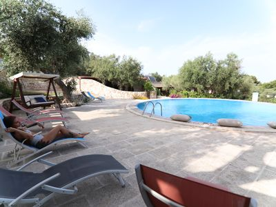 Photo for Two-room apartment with large outdoor area, swimming pool and air conditioning