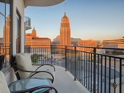 Photo for Wyndham La Cascada, 2 Bedroom Deluxe, Enjoy your stay by the River Walk