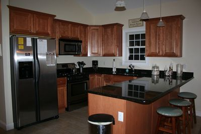 Beautiful fully stocked kitchen for your use