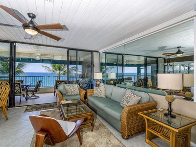 Photo for Private oceanfront condo with lanai, full kitchen & WiFi