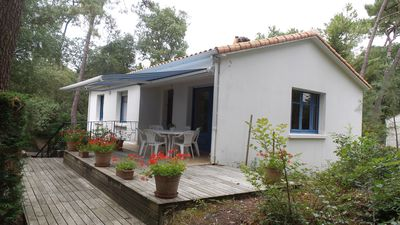 Photo for Vendée HOUSE NEAR OCEAN IN THE HEART OF THE FOREST BETWEEN SEA AND MARSH