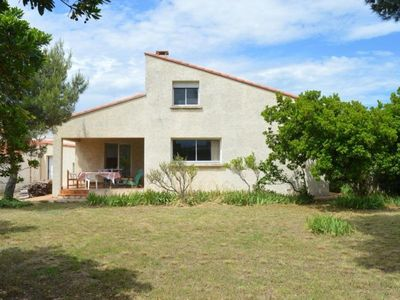 Photo for Villa Saint-Cyprien (Pyrénées-Orientales), 4 bedrooms, 8 persons