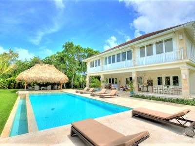 Luxury 4 bedroom villa with own private swimming pool located in the exclusive Punta Cana resort
