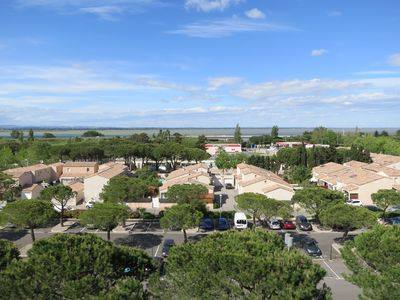 Photo for Very sunny, family residence with Marina view in the south of France