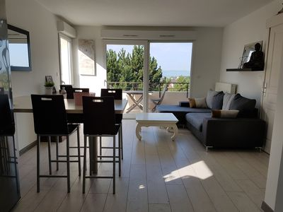 Photo for IDEAL SHORT DURATION Beautiful F2 with lake view and large terrace