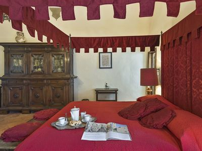 Photo for Apartment in San Gimignano with 4 bedrooms sleeps 8