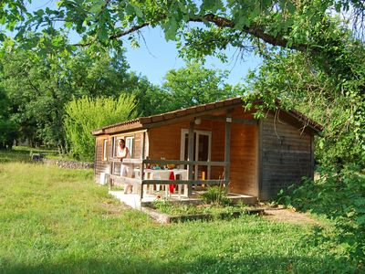 Photo for Detached holiday home in a holiday park with facilities, in the green heart of the Lot region