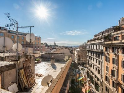 Photo for Apartment in the center of Rome with Internet, Air conditioning, Lift, Terrace (345977)