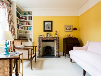 Photo for Charming, beautifully designed 1 bed in Fulham