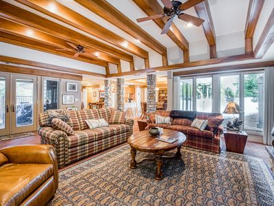 Photo for Luxurious dog-friendly mountain home w/large master suite, close to Shaver Lake!