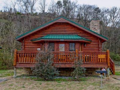 Photo for Wonderful Studio Cabin - Close To The River and Town. Perfect For Couples !