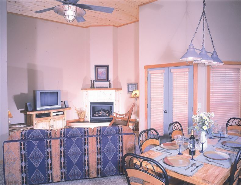 Simba Suites East, 2BR condo in downtown Ou... - VRBO