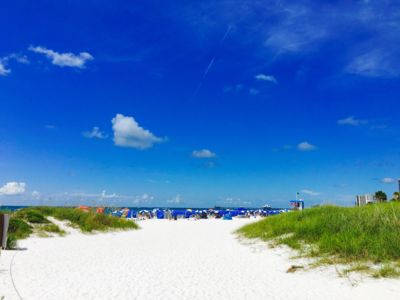 Pelican Pointe Condo/Hotel Unit #211 Affordable Efficiency in the Heart of Clearwater Beach!