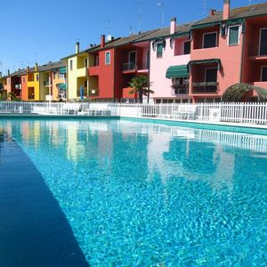Photo for Villa by the sea with swimming pool and garden