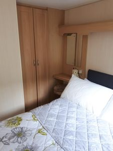 Lovely double room with wardrobe and lake views