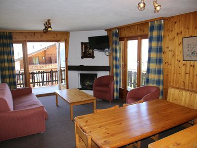 Photo for Comfortable 2*, 3-bedroom apartment next to the ski lift. Fully equiped open-plan kitchen with oven,