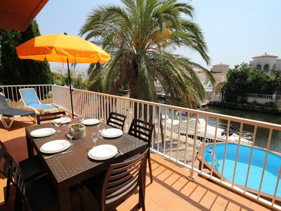 Photo for Modern Holiday Home with Private Pool in Empuriabrava