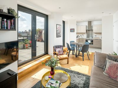Photo for Beautiful 2 bed flat with terrace in East London