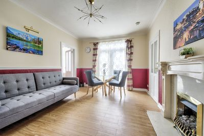 Outstanding Pilton Avenue Ground Floor 2 Bedroom Sofa Bed Garden Parking Pilton Ocoug Best Dining Table And Chair Ideas Images Ocougorg