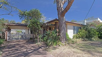 Photo for Evan's Retreat, 5 Sandy Point Road - cottage across the road from Sandy Point Beach