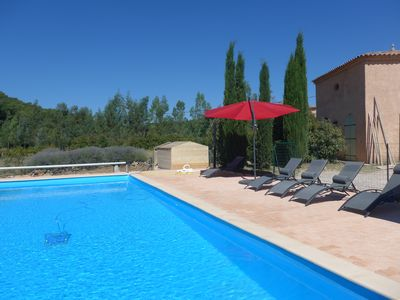 Photo for Provencal estate of 300 m2, 1 ha, 6 bedrooms, large secure pool