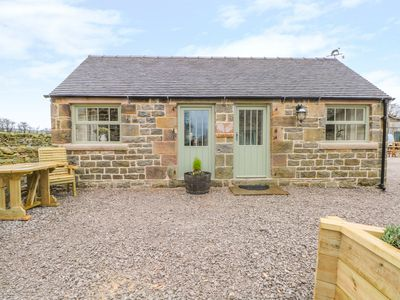 Photo for CALF SHED, pet friendly, with a garden in Longnor, Ref 954336