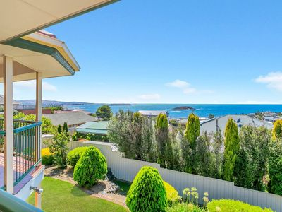 Photo for 4 Thompson Crt, Encounter Bay