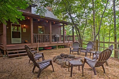 Savor s'mores and stargazing while lounging around the fire pit!