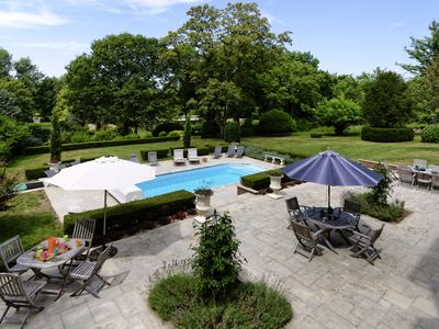 Photo for Castle for 12 people with heated pool