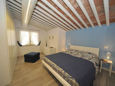 Photo for Elegant and in the heart of the old town - Apartment Tosca