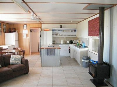 Photo for Beachcomber Holiday Rental - walk to the beach, great for families