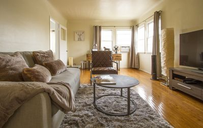 Photo for Sunny Apartment with a Mountain View in Central Eagle Rock