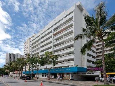 Photo for Central Waikiki Studio with Kitchenette and just 8 mins walk to Beach