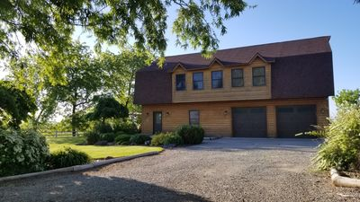 Peaceful Country Home Close to Town and Recreation