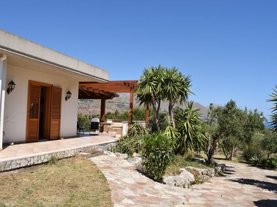 Photo for Detached villa located in a residential area a few kilometers from the sea.