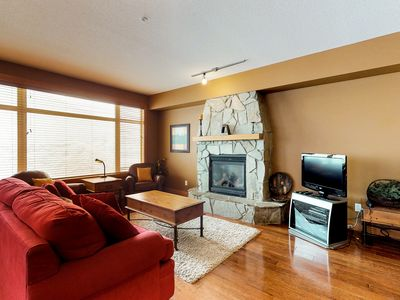 Photo for Family-friendly condo w/ private hot tub - easy access to slopes!