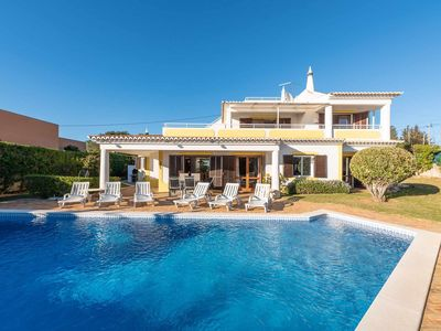 Photo for Private Pool, Sea View, Quiet Location and AC!