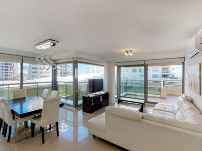 Photo for Family-friendly high-end condo w/city views, shared pool, tennis, & more!