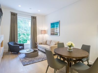 Photo for 7 Princes Mansions Chic One Bedroom