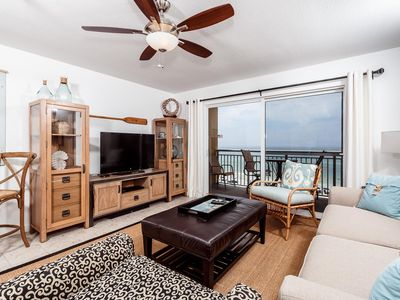 Modern, chic, coastal- PI 507 has it ALL!! - New furnishings, huge 4K TV's, decorated by professional interior designer - you are missing out if you don't book this cond!!