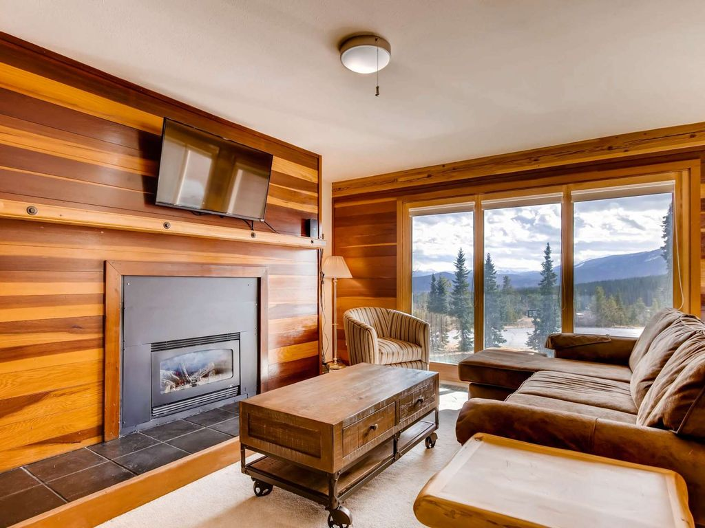 Awesome Value For The Best Views In Summit County Clubhouse W 2 Hot Tubs Pool Ping Pong More