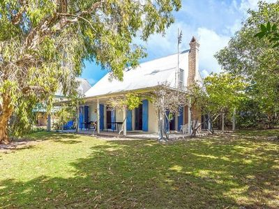 Photo for 104 LORIKEET BEACH COTTAGE -  direct beach access.