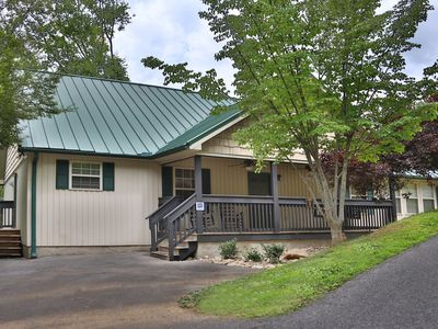 Holly Grove a 3BR chalet located nearly across the street from Dollywood.