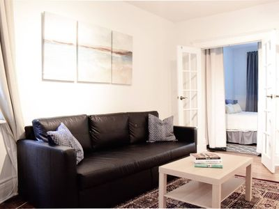 Photo for Beautiful Main Floor Apartment in the Annex