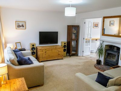 Photo for Holiday house, 2 large king bedrooms, close to GW, Sleeps 6